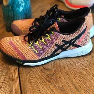 Asics Fuze Gels Running Shoes! Size 7 Womens